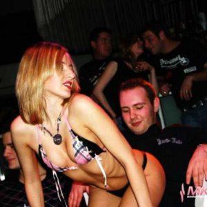 Stripteaseuse enterrement de vie de jeune garçon Strasbourg