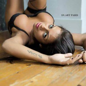 Stripteaseuse à domicile Paris